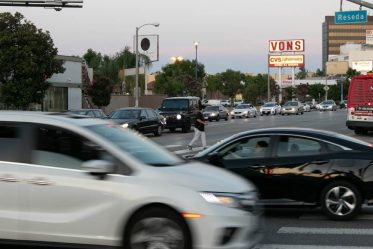Redwood City, CA - Multi-Car Accident on Hwy 101